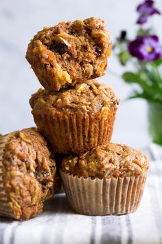 These Morning Glory Muffins are the perfect way to start any morning! They're brimming with apples and applesauce, carrots, coconut, raisins, and pecans Breakfast Food List, Sweet Breakfast, Breakfast Recipes, Breakfast Bars, Breakfast Muffins, Breakfast Ideas, Morning Glory Muffins, Healthy Cake, Healthy Muffins