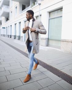 A grey overcoat and light blue skinny jeans are a nice look worth incorporating into your day-to-day casual fashion mix. Avoid looking too casual by rounding off with tobacco suede chelsea boots. Blue Jeans Outfit Men, Blue Jean Outfits, Men's Grey Overcoat, White Turtleneck Outfit, Chelsea Boots Outfit, Fashion Business, Black Men Street Fashion, Light Blue Skinny Jeans, Stylish Mens Outfits