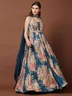 Indian Gowns Dresses, Indian Fashion Dresses, Indian Designer Outfits, Pakistani Dresses, Fashion Outfits, Anarkali Dress, Indian Dresses For Women, Lehenga Choli, Fashion Clothes
