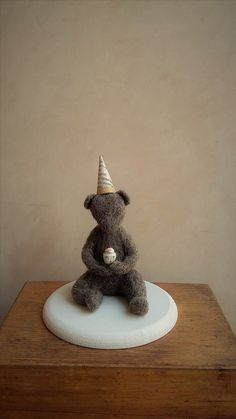 My delicious cupcake. Needle felting figure bear doll by Petuqui