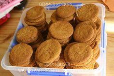Picture 21st Bday Cake, Cinnabon Cinnamon Rolls, Food Art For Kids, Biscuit Recipe, Meringue, Cake Cookies, Biscuits, Eat, Breakfast