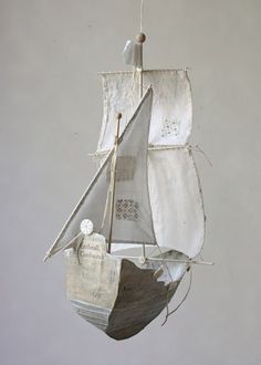 I am in LOVE with Ann Wood's fabulous paper mache ships, and I ADORE her fabric ones... I really can't decide which I love more... Diy And Crafts, Arts And Crafts, Paper Crafts, Ann Wood, Paperclay, Mobiles, Decoration, Paper Art, Balloons