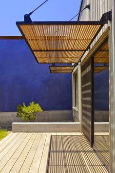 Outdoor shutters: keep it cool! | LEEM Concepts: Woonstyling, advies en concepten Idee voor ramen kant Darline!!