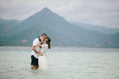 Hawaii Sandbar Wedding  (holy shit this is gorgeous!)