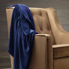 Ally-- blanket expert-- says this one is her favorite. | Amazon.com - Pinzon Velvet Plush Throw, Navy -