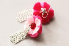 Pink Felt Earrings Pink Ombre Earrings Chain by MusingTreeStudios, $18.00 #etsy #etsyfinds #feltjewelry #tasseljewelry #handmadejewelry #etsyjewelry