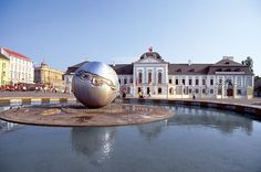 The distinctive globe fountain in Hodzovo Square is a popular meeting place in Bratislava. Travel Info, Travel Guide, Bratislava Slovakia, Cool Countries, European Countries, Vacation Packages, Cool Places To Visit, Day Trips, Trip Advisor