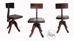 silla antigua de madera de color caoba.