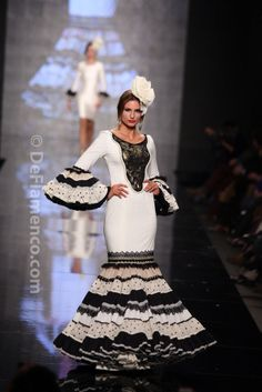 Fotografías Moda Flamenca - Simof 2014 - Javier Garcia 'Tangobertura' Simof 2014 - Foto 13 Spanish Dress, Spanish Dancer, Spanish Style, Special Dresses, Cute Dresses, Flamenco Dancers, Flamenco Dresses, Spanish Fashion, African Women