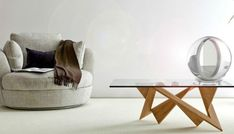 Lucy is a solar mirror in development by Italian designers Solencia, and offers a way to redirect sunlight into the dark corners of your home. Luz Natural, Natural Light, Sombre, Modern Love, Mirror With Lights, Solar Lights, Sunlight, Furniture Design, Interior Design