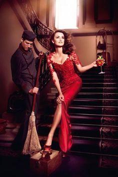 People : L'actrice Pénélope Cruz prend la pose pour le calendrier Campari 2013 - Marie Claire