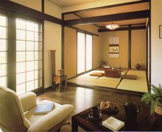Tatami room next to Western room