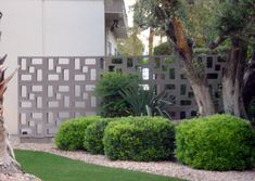 Geometric Concrete Screen Block Wall   example of a very inventive and inexpensive way to create a modern privacy screen block wall; this design uses just the exact same rectangular shaped screen block in different stacking method! The final result is simply amazing!  Someone must have really thought well about this, this screenblock wall is very ingenious.  This screen block wall probably dates back to the 1950s, located in Palm Springs, of course.