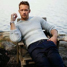 """Alexander Skarsgård BR (@alexanderskarsgardbra) on Instagram: """"Lindo  (  Andre Wolff) #AlexanderSkarsgårs"""