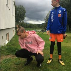 Marcus&Martinus are soo cute New Music, Good Music, I Go Crazy, M Photos, Twin Brothers, Hottest Pic, Big Love, Hot Boys, Boy Bands
