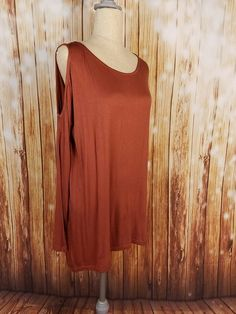 cold Shoulder Rust Berry Top perfect fashion trend for Women at Laney Lu's Boutique www.laneylus.com