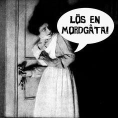 """Att ordna en mordgåta för sina gäster är nog en av de roligaste festlekar som finns! Vem har inte drömt om att få vara med """"på riktigt"""" i något som hämtat ur en Agatha Christie roman? Kombinera en mordgåta och middag och bjud på din egen mordmiddag! #mordgåta #mordmysterium #mordmiddag #festlekar #firafest.se"""