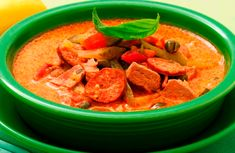 Szoljanka leves - Levesbáró Naan, Thai Red Curry, Soup, Cooking, Ethnic Recipes, Cilantro, Kitchen, Soups, Brewing