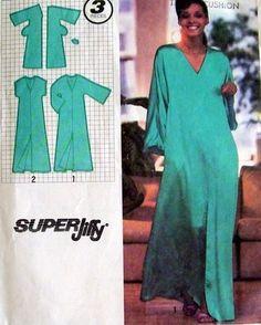 1979 vtg s 9246 pattern misses caftan kimono sleeves front slit silk crepe Frock Patterns, Clothing Patterns, Sewing Patterns, Diy Clothing, Sewing Clothes, Vintage Patterns, Vintage Sewing, Islamic Clothing, Caftan Dress