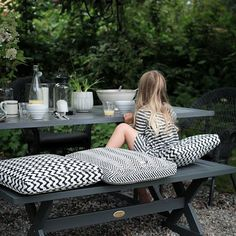 Talking about creating a chic outdoor space (photo by House of Philia)