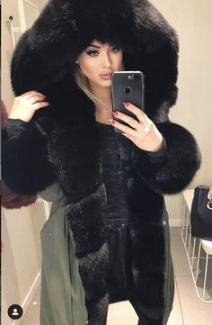 Moon Shadow, White Face Mask, Fur Fashion, Fur Trim, Collars, Fur Coat, Fur Jackets, Sexy, Hoods