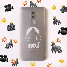 Cool phone + great perks = Who's about to be parent of the year? Plus, don't miss our amazing Honor competition. Skull Island, Cats, Gatos, Cat, Kitty, Kitty Cats