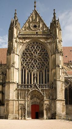 Sens Cathedral South Transept Exterior The post Sens Cathedral South Transept Exterior appeared first on Architecture Diy. Gothic Style Architecture, Architecture Antique, Cathedral Architecture, Amazing Architecture, Gothic Buildings, Ancient Buildings, Old Buildings, Cathedral Church, Gothic Cathedral