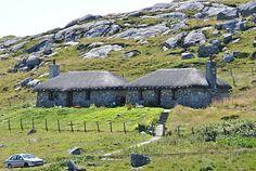 Brenda Dougall Merriman: Hands On Scotland: Isle of Coll
