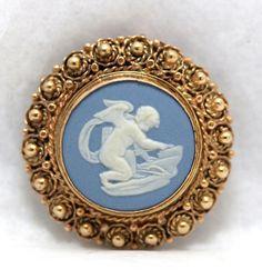 Wedgwood Cherub Medallion Framed IN 14k Yellow Gold #Wedgwood #broochPendadnt