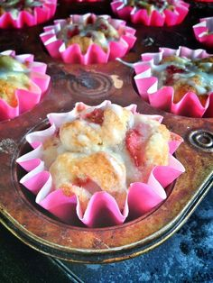 strawberry shortcake monkey bread cupcakes with almond flour - Muffins Monkey Bread Cupcakes, Monkey Bread Muffins, Low Carb Desserts, Just Desserts, Delicious Desserts, Yummy Food, Gluten Free Cakes, Gluten Free Desserts, Paleo Dessert