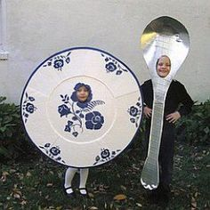 The dish ran away with the spoon as the second-place winners in the 2007 Stick or Treat duct tape costume contest. Abc Costumes, Baby Halloween Costumes, Fall Halloween, Purim Costumes, Nursery Rhyme Costume, Nursery Rhymes, Shrek Kostüm, Moon Costume, Beauty And The Beast Costume