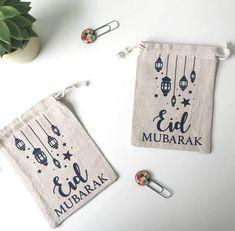 The Visualage Natural linen drawstring bags Diy Birthday, Birthday Gifts, Eid Eid, Money Envelopes, Eid Special, Drawstring Bags, Eid Mubarak, Party Bags, Islamic Art