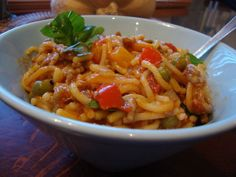 Finnish Recipes, Easy Cooking, Thai Red Curry, Chili, Soup, Pasta, Chicken, Meat, Ethnic Recipes