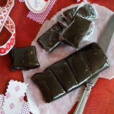 Hopeatoffeepalat   Maku Sweets Recipes, Candy Recipes, Baking Recipes, Desserts, Homemade Sweets, Homemade Candies, Sweet Bakery, Chocolate Sweets, Sweet And Salty