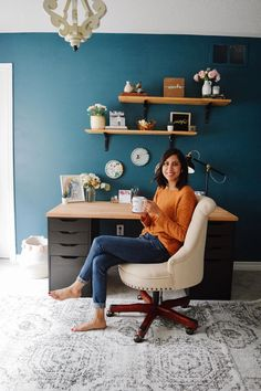 When you spend a lot of time in your office, you want it to be cozy and functional! Here's how to create a space that you will enjoy working in! Home Office Design, Home Office Decor, Diy Home Decor, Office Table, Room Decor, Ikea Ranarp, Living Room Update, Mint Candy, Challenge Week