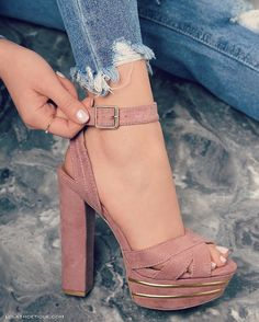 Really cute shoes with heels for summer, spring or fall Dream Shoes, Crazy Shoes, Me Too Shoes, Pretty Shoes, Beautiful Shoes, Heeled Boots, Shoe Boots, Heeled Sandals, Cute Heels