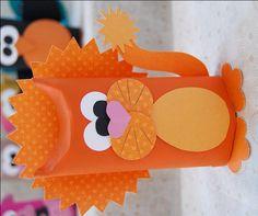 Toilet Tube Animals - craft, recycle, children, CreativeMeInspiredYou.com, #knutselen, kinderen, basisschool, voetbal, oranje, leeuw, EK, wc-rol, toiletpapierrol
