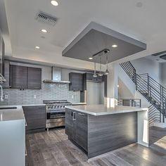 Can't complain if you entertain and no one leaves the kitchen! ✨ Happy Friday, from our listing on 2307 Vanderbilt in #RedondoBeach _  #FridayNight #KitchenInspo #Kitchen #Design #Interior #SouthBay #HermosaBeach #ManhattanBeach #InteriorDesign #Modern #5
