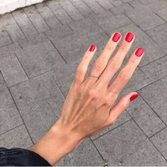 Nails, must see pin design. Study this useful nail art 2804314531 right now. Diy Nagellack, Nagellack Trends, Perfect Nails, Gorgeous Nails, Cute Nails, Pretty Nails, Short Red Nails, Short Natural Nails, Hair And Nails