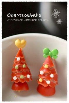 赤いウインナー買っといて♡クリスマスメニューに可愛く変身! - LOCARI(ロカリ) Menu, Pudding, Christmas Ornaments, Holiday Decor, Floral, Desserts, Recipes, Food, Halloween