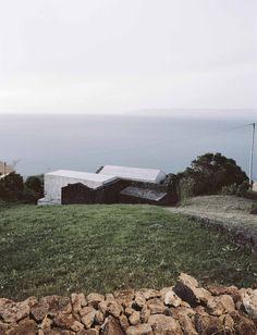 ArchitectsSAMI-arquitectos LocationPico Island, Portugal © Paulo Catrica