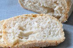 Je peux enfin manger du pain maison, et tout cela sans un poil de gluten ni de lait ! Voici ma recette à la machine à pain.