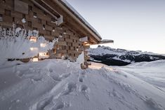 noa* (network of architecture) completes the renovation and expansion of the zallinger refuge at the seiser alm, or alpe di siusi, in the italian dolomites. Wood Architecture, Amazing Architecture, Contemporary Architecture, Central Building, Modern Log Cabins, South Tyrol, Mountain Landscape, The Expanse, Pictures