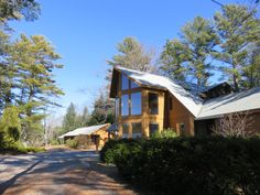Wiscasset Woods Lodge - the longest continously operated lodging between Bath and Rockland Maine.