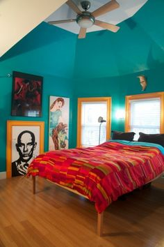 Apartment therapy, I love the turquoise room and yellow trimmed windows and red comforter. it is definitely a split complementary design. Living Room Turquoise, Bedroom Turquoise, Living Room Red, Turquoise Walls, Red Comforter, Red Bedspread, Duvet, Split Complementary Color Scheme, Bedroom Decor