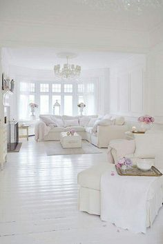 Shabby Chic Decor Easy Tips Tricks - Notable ideas to build a really chic shabby chic home decor living rooms Scintillatingideas shared on this imaginative day 20181219 , note reference 7995729329 Shabby Chic Living Room, Shabby Chic Interiors, Shabby Chic Homes, Living Room Decor, Cottage Living, White Room Decor, All White Room, White Rooms, Living Room Designs