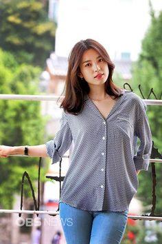 Han Hyo-joo (born February is a South Korean actress. Korean Actresses, Korean Actors, Korean Beauty, Asian Beauty, Sexy Asian Girls, Hot Girls, Korean Celebrities, Celebs, Look Girl