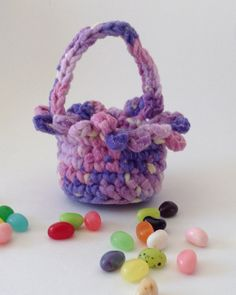 A while back we had a crocheter here who would make these Small Easter Baskets and fill them with jelly beans. She would then give them as gifts to her church friends (and her Maggie's croche…