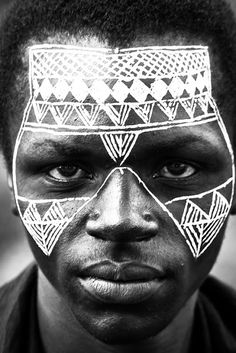 Man from Africa with intricate face painting by june Tribal Face Paints, Tribal Paint, African Tribes, African Art, Cara Tribal, Pintura Tribal, African Face Paint, Geometric Face, Tribal Makeup