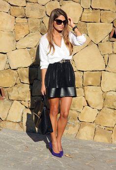 falda negra + camisa blanca